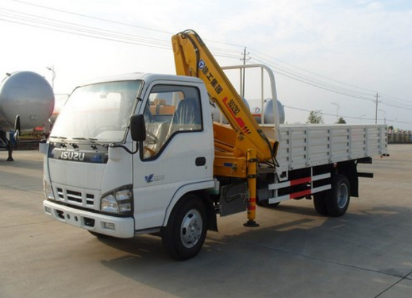 Isuzu 3.2ton Wire Rope Telescoping Truck Mounted Crane