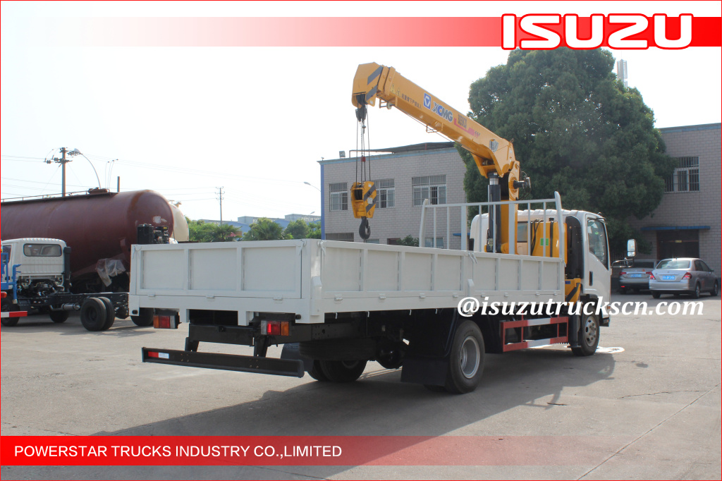 Isuzu Knuckle Boom Truck Mounted Crane 5T Lifting For Landscape Jobs