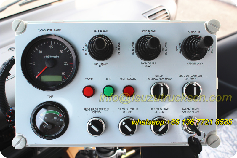 Street road sweeper truck Isuzu trucks control panel