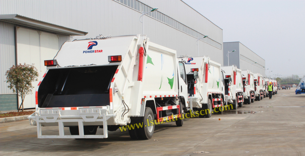 customer build garbage compactor truck Isuzu garbage trucks