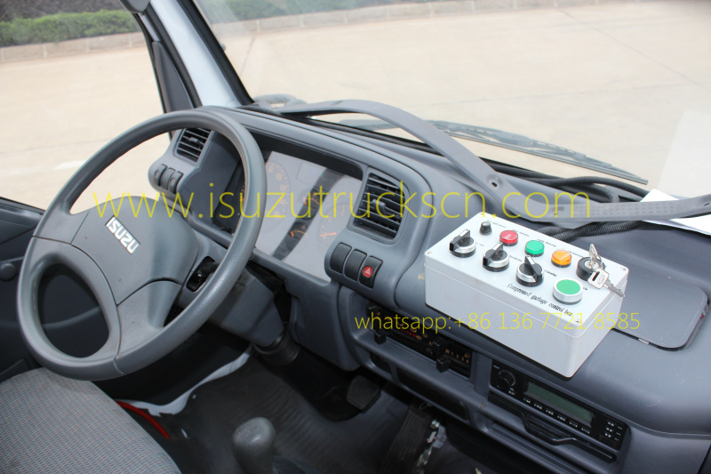 Garbage Compacting Truck Isuzu 4 CBM detail specification and pictures