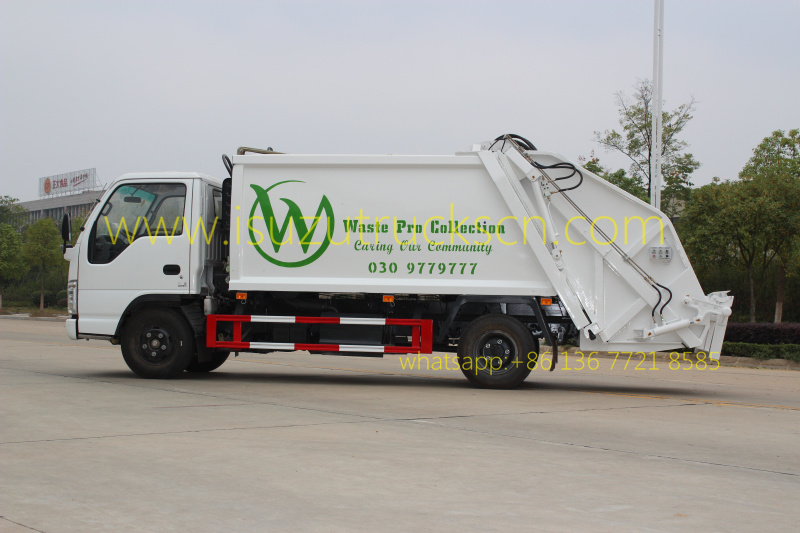 Overview of Isuzu garbage compactor truck 4000L