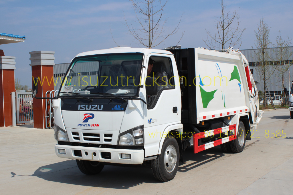 Garbage Compactor Truck Isuzu 3Tons pictures