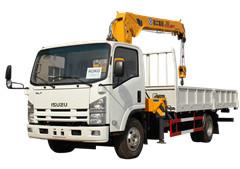 Isuzu boom truck crane with unic crane