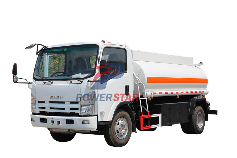 UAE Fuel Transport Tank Truck Isuzu 6,000L