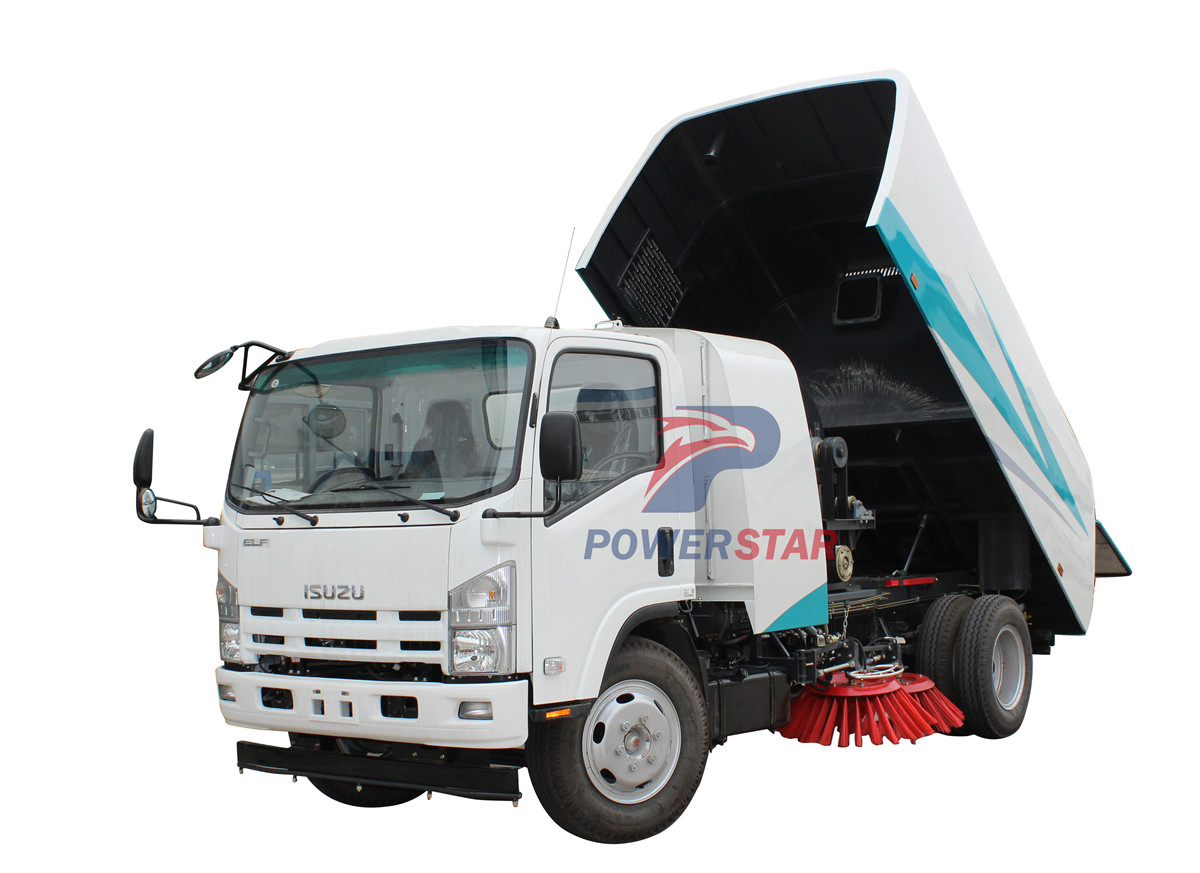 Four brushes road sweeper truck Isuzu