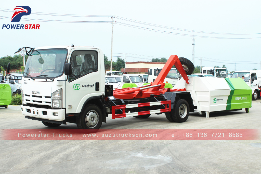 Mongolia 8tons Isuzu Rearloader hooklift waste collector truck for sale