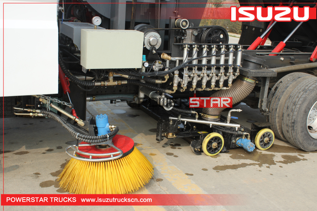 New ELF/700P Isuzu Street Vacuum Wet Type Road Sweeper Truck