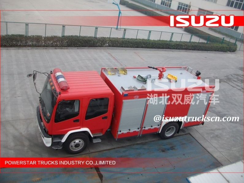 Japanese  6000L water foam ISUZU 6t water tanker/foam fire truck