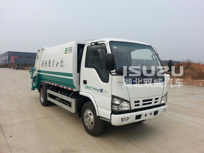 4x2 5m3 Isuzu garbage trucks compactors from japan