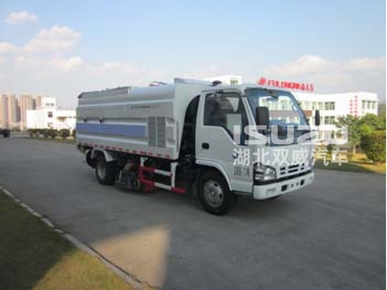 ISUZU 4*2 vacuum truck mounted road sweeper