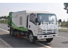 4x2 Isuzu vacuum sweeper truck , small suction vehicles