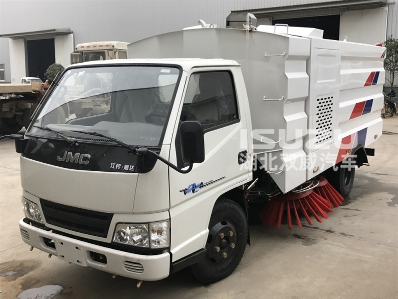 multi functional road sweeper jmc truck chassis