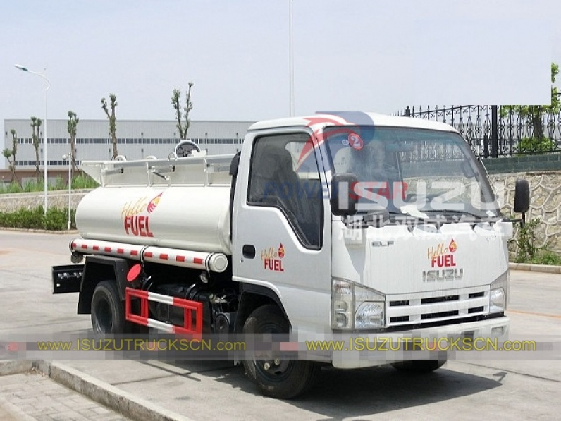 Japanese brand Isuzu chassis 3000 Litres fuel tank truck