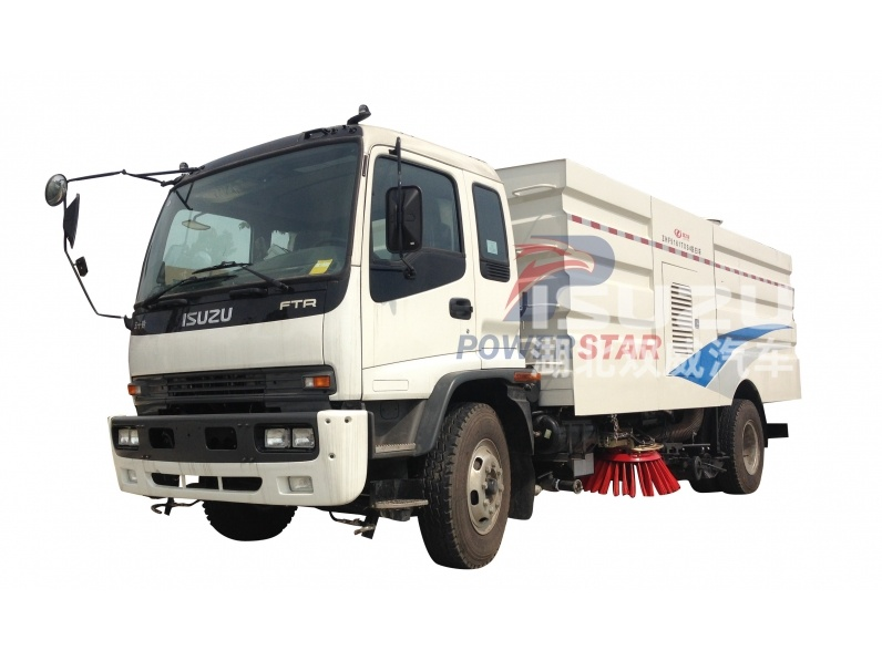 Road street sweeping vehicle made by powerstar trucks