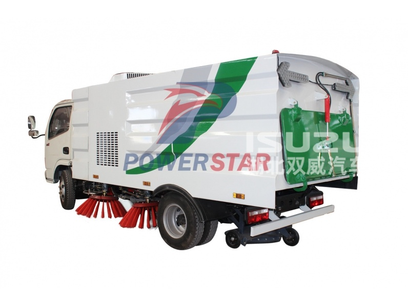 Good Quality Isuzu 6-8T Road Vacuum Cleaning Sweeper Truck