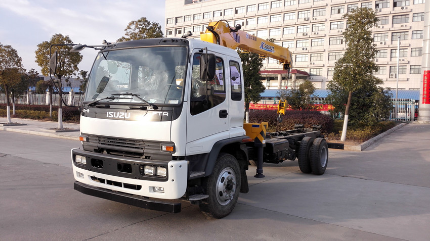 5ton Telescopic Boom with ISUZU FTR Truck Mounted Crane for Sale