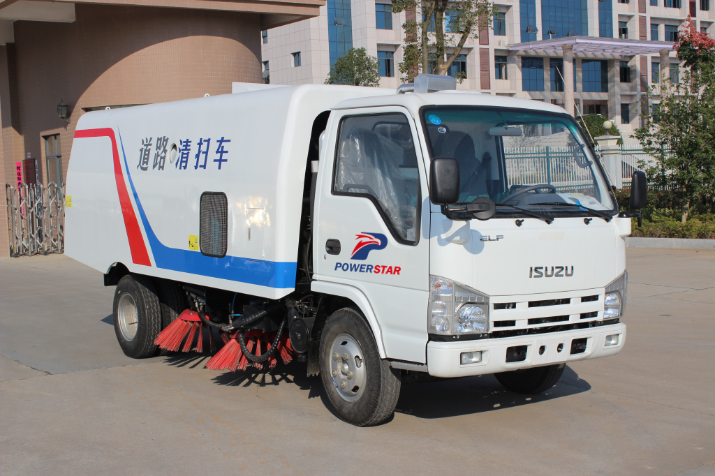 Brush road sweeper Isuzu ELF street cleaner trucks