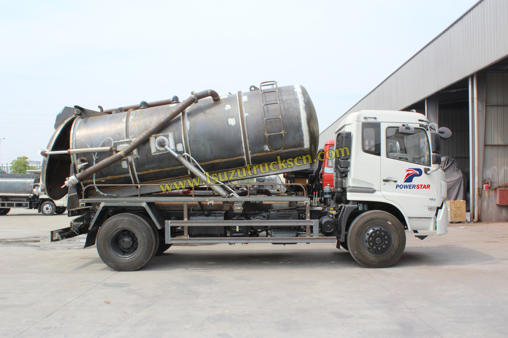 China best Vacuum Sewage truck factory Powerstar truck