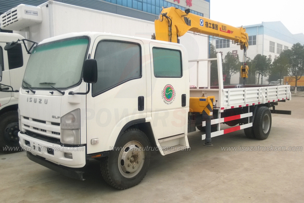 Double cabin Isuzu ELF Trucks with 6.3tons Hydraulic telescopic boom