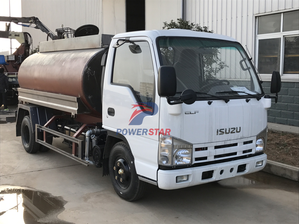 Customer build Water bowser Isuzu water sprinkler trucks