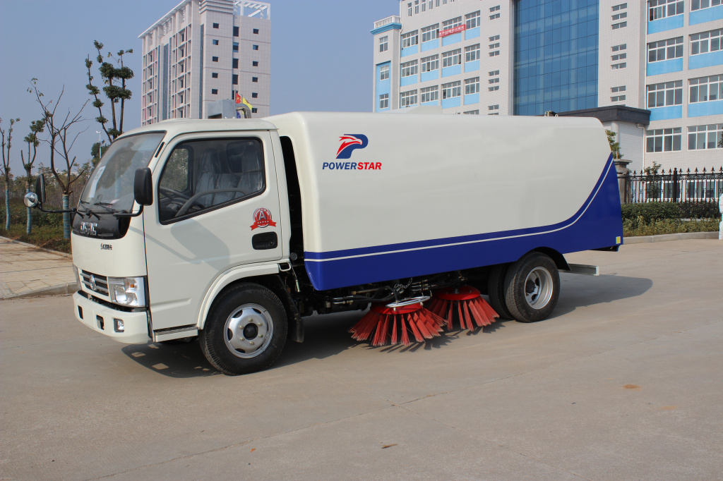 China Manufacturer Powerstar trucks road sweeper truck with brush